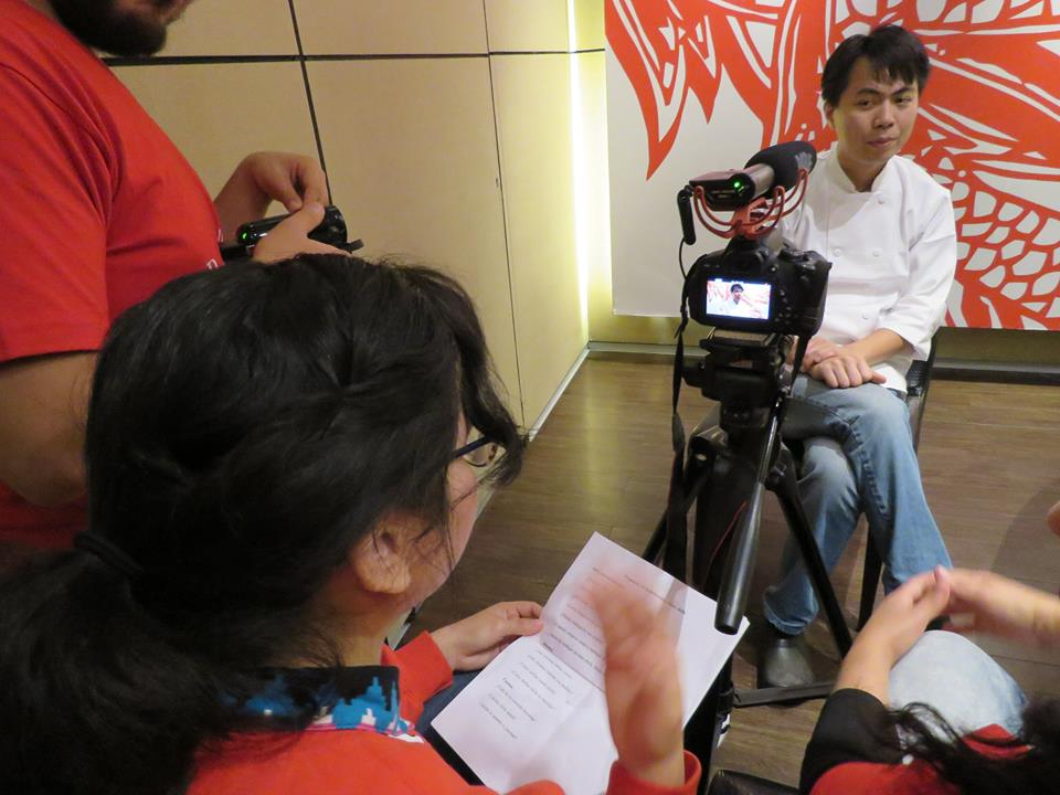 Interviewing a prominent chifa chef.